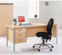 Desking-Entry-level-IMAGE8