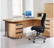 Desking-Entry-level-IMAGE9