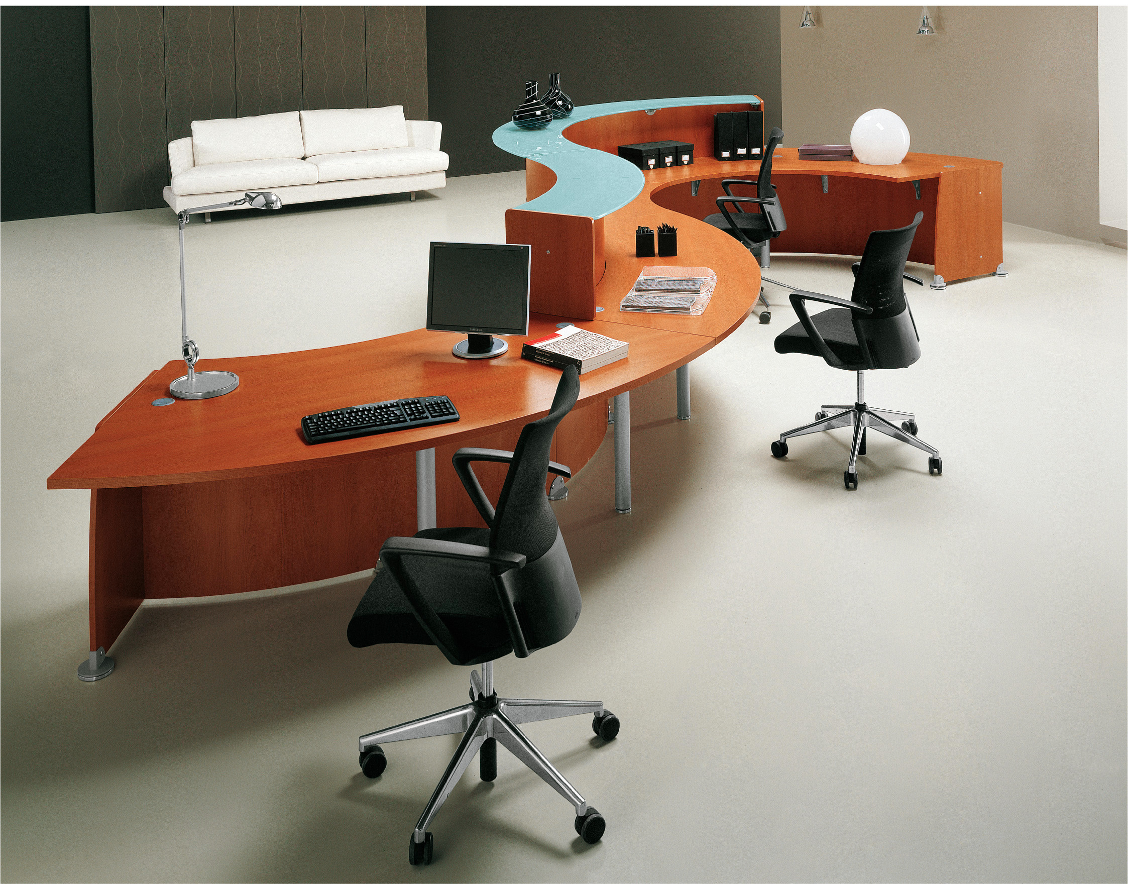 Reception-mid-level-IMAGE 7
