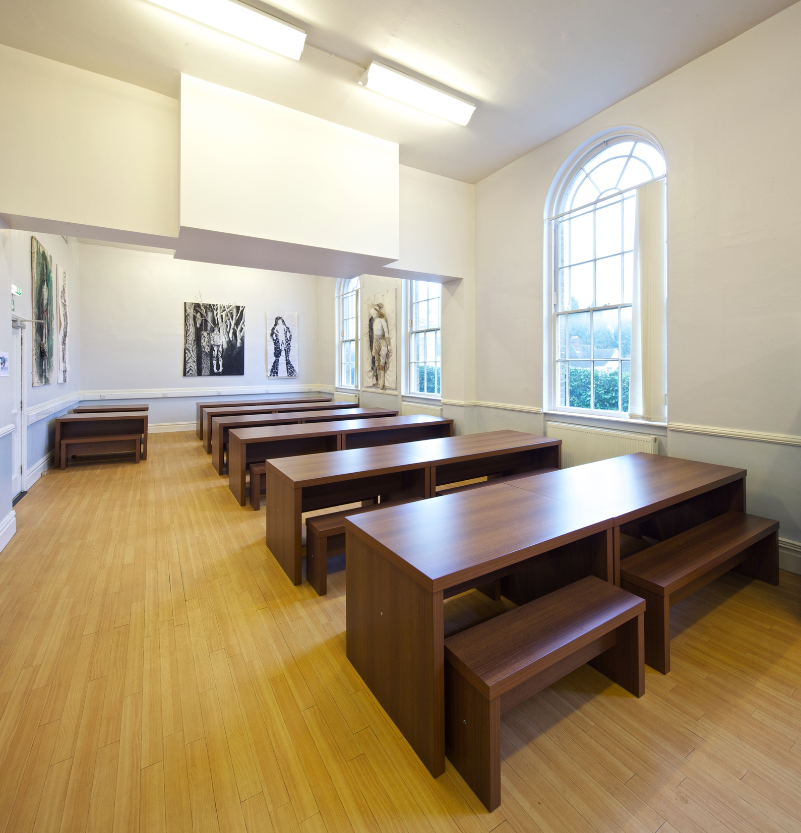 Cafe-Breakout-Tables-IMAGE3